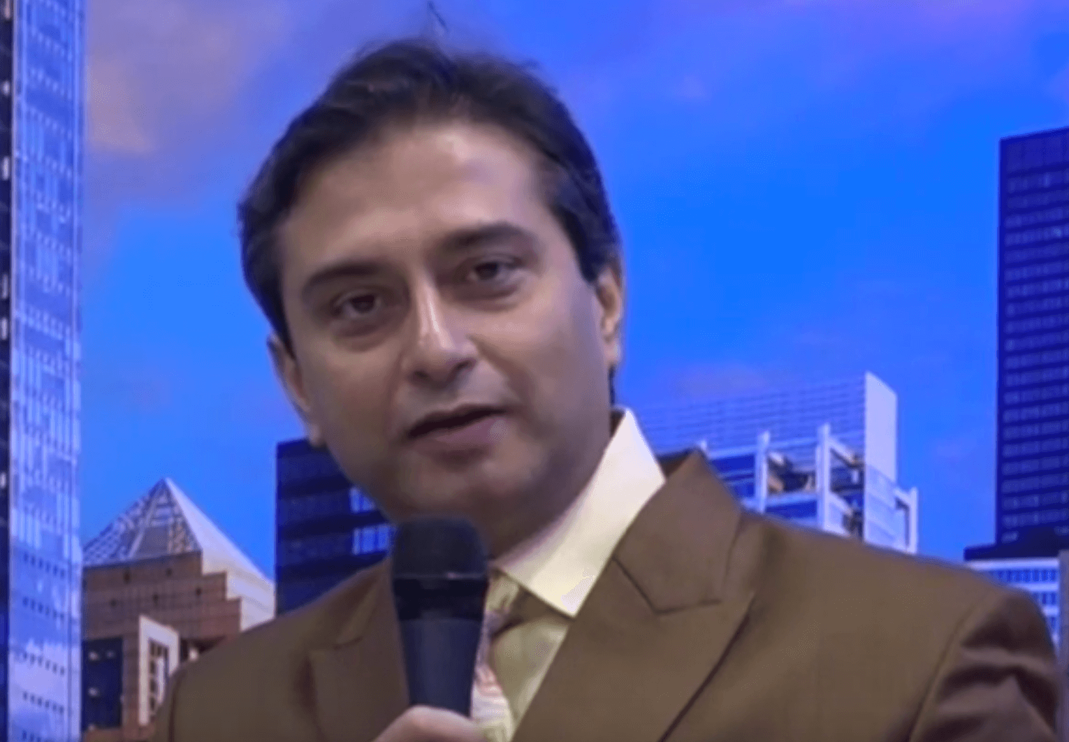 Corneal Scars Corrected: EYEWORLD Interview Dr. Gulani at American Academy Conference In Chicago
